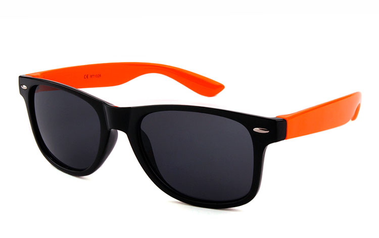 Sort og orange wayfarer solbrille